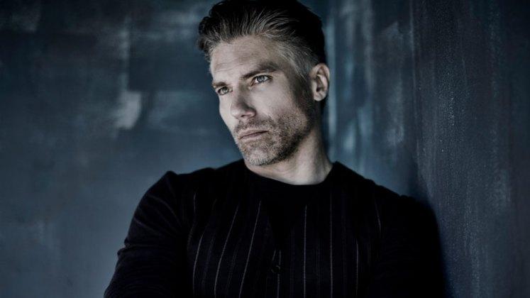 Escolhido o ator que será o Raio Negro na série dos Inumanos!