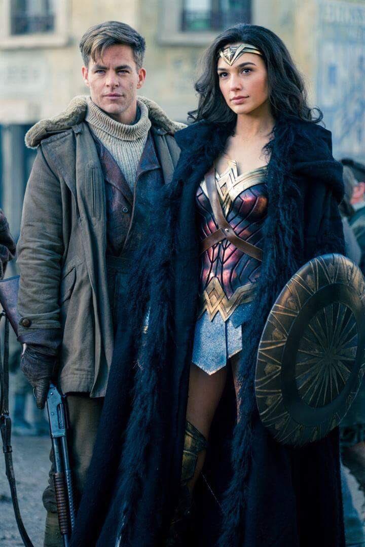 Mulher-Maravilha aparece ao lado de Steve Trevor em novas fotos do filme