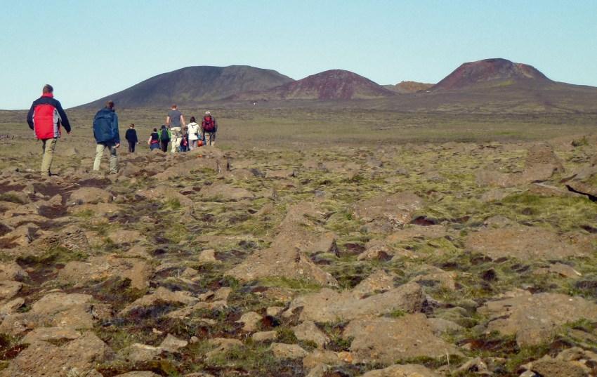 8-the-walk-to-the-three-peaks