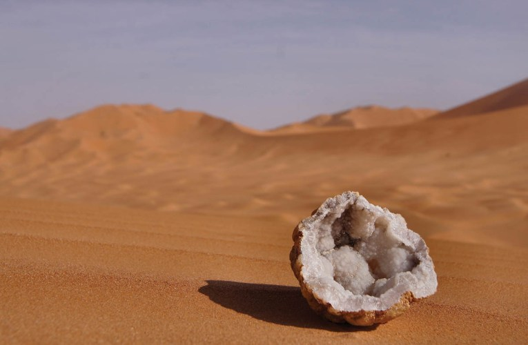 Encountering desert deposits in Oman