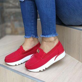 Zapatos de moda bonitos color rojo