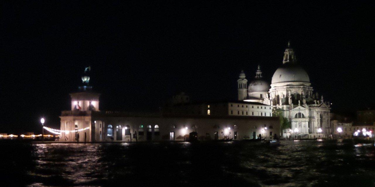 «Overnight» en Venecia