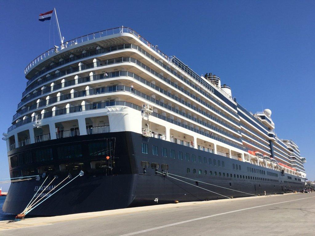 MS Eurodam atracado en Rodas