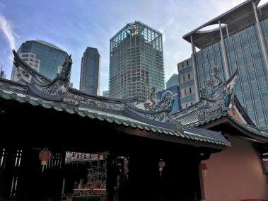 Edificios en torno al templo deThian Hock Keng