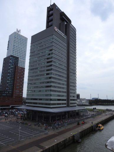 Edificios del Puerto de Rotterdam y Montevideo