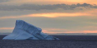 Atardecer frente a Qaqortoq 1