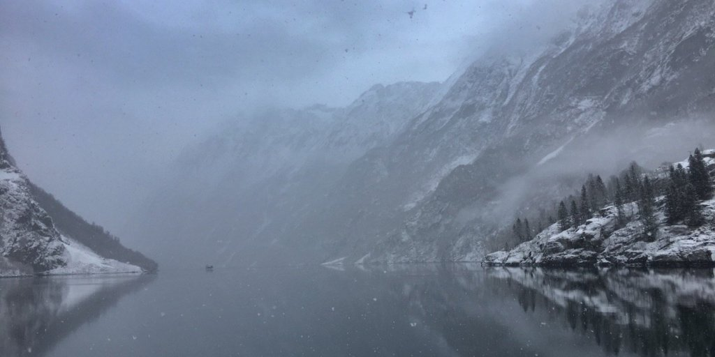 Nieva en el Nærøyfjord