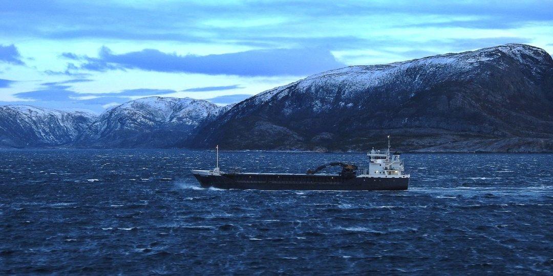 Atardecer frente a Skjørafjorden