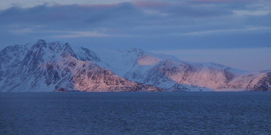 Atardecer en Sørøysundet