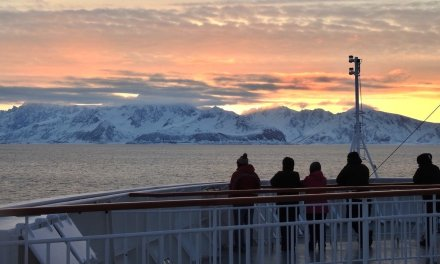 Atardecer rumbo a Øksfjord