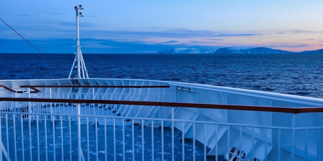 Navegando por Rolvsøysundet