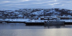 Zarpando de Kirkenes al atardecer