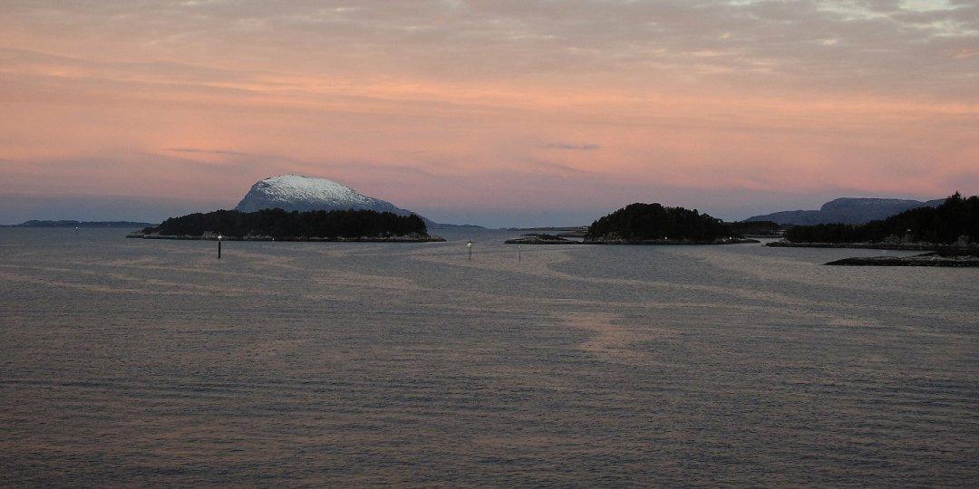 Amanecer junto a Florø