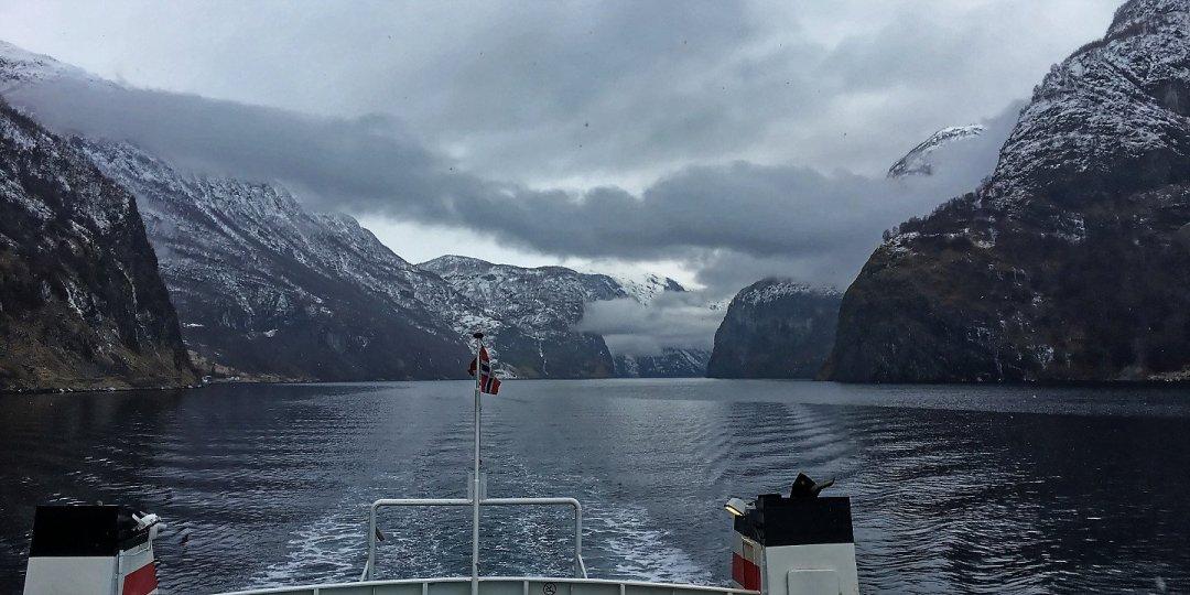El Aurlandsfjord en invierno