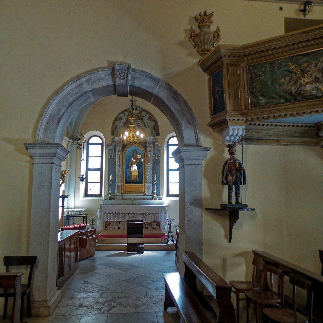 Interior de Svetog Mihovila