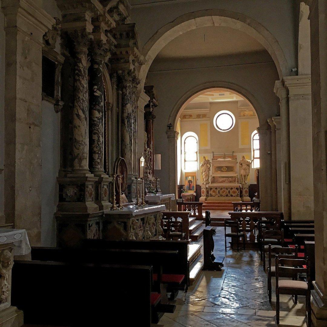 Interior de la catedral de San Esteban