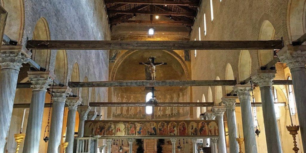 Nave principal de Santa Maria Asunta