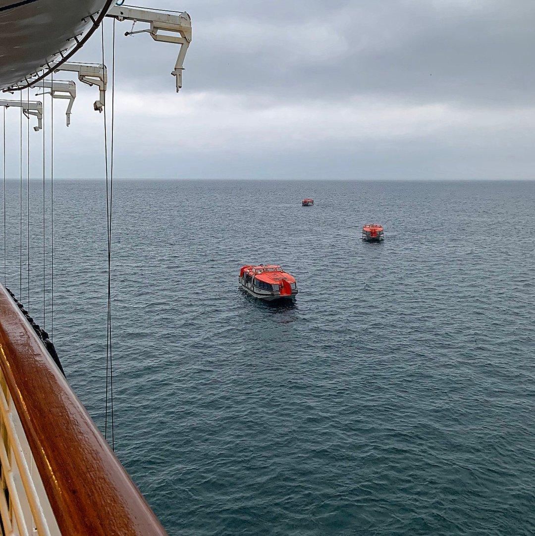 Lanchas en la bahía de Aniva