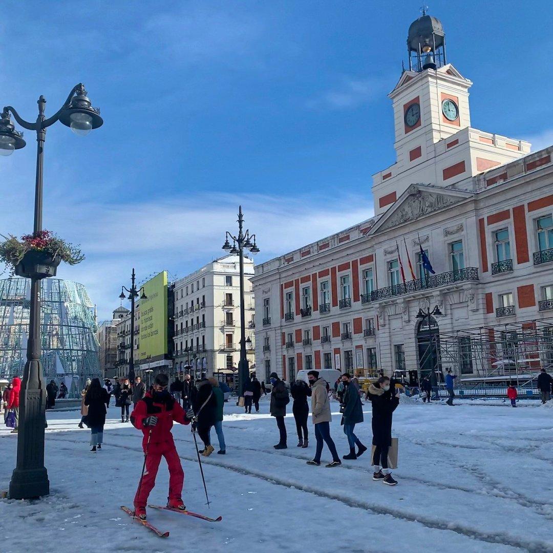 Esquiando en la Puerta del Sol