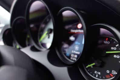 Cayenne S E-Hybrid - Kombiinstrument seitlich