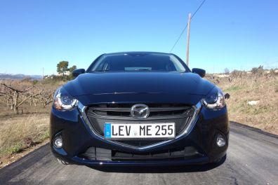 Mazda 2 2015 Front Mitternachtsblau