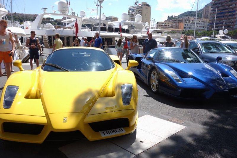 Zwei Ferrari Enzo in Monaco