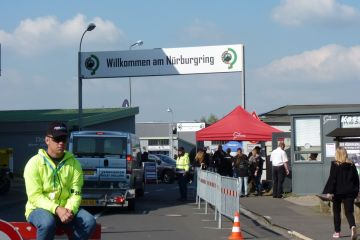 Am Nürburgring denkt niemand an Schlaf - Impressionen vom Vortag des Rennens