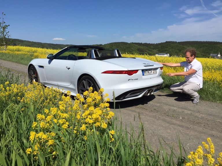 Jaguar F-Type nun auch mit Allradantrieb