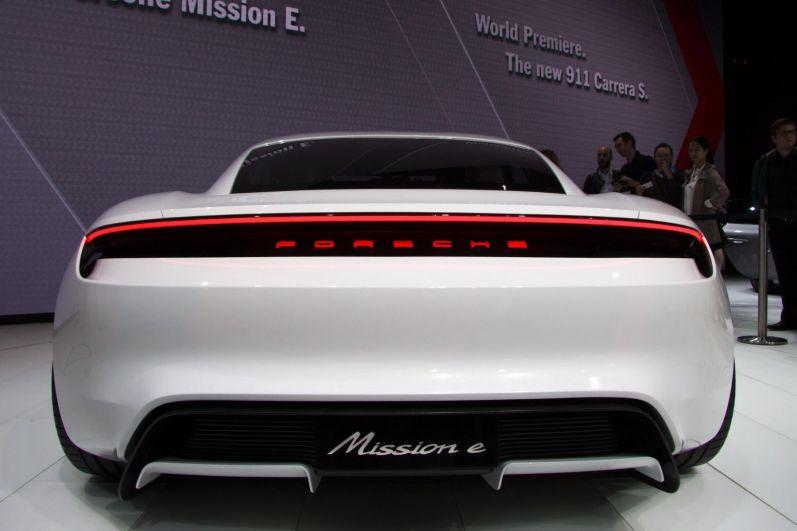 Porsche Mission E IAA 2015 Konzept Heck