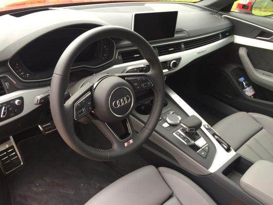 Audi A4 avant Lenkrad 2015