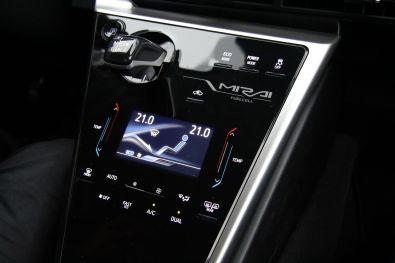 Toyota Mirai 2015 Mittelkonsole Klimabedienung