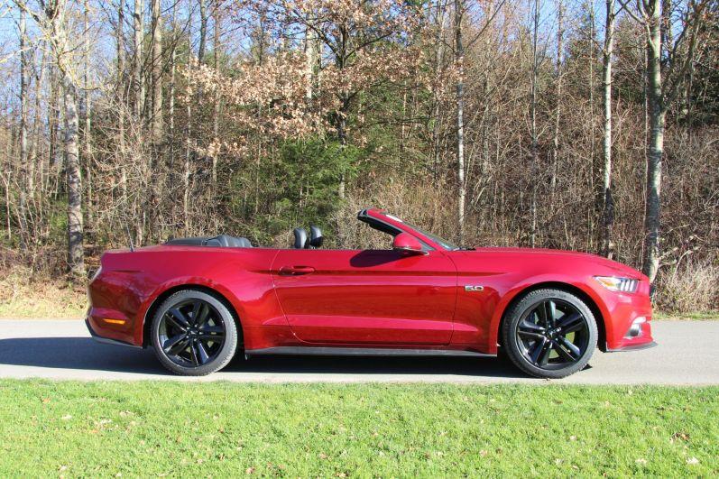 Ford Mustang Convertible 2015 Seitenansicht