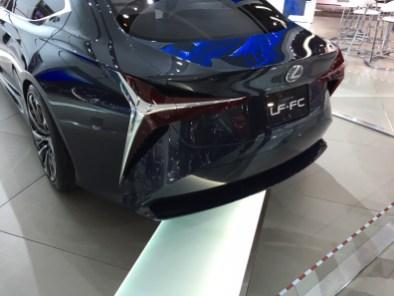 Das Konzept-Fahrzeug LF-FC, das Lexus vor 4 Jahren auf der Motor Show in Detroit zeigte.