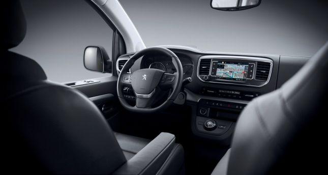 Peugeot Traveller Cockpit