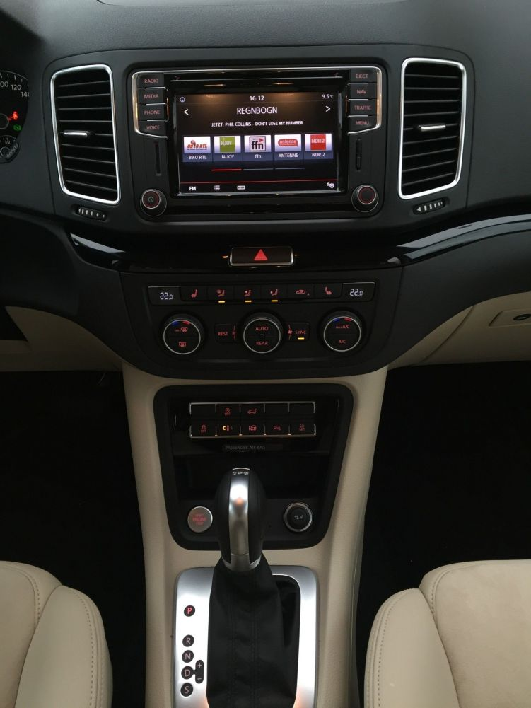VW Sharan Mittelkonsole