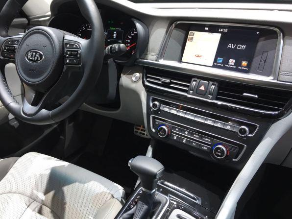 Kia Optima Sportswagon Cockpit