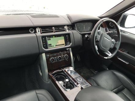 Range Rover SVAutobiography cockpit