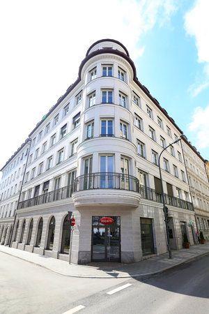 Bugatti eröffnet Showroom und Lifestyle-Boutique in München