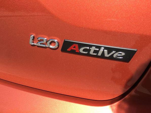 Hyundai i20 Active Schriftzug