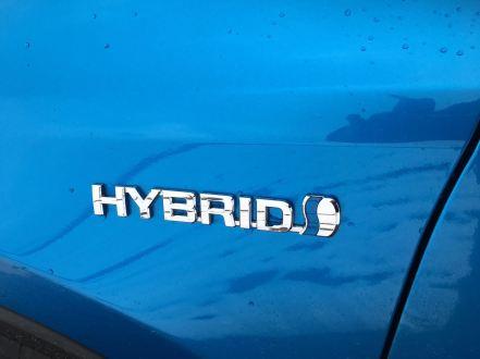 Toyota RAV4 Schriftzeichen
