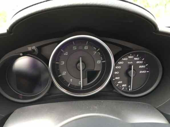 Fiat 124 Spider Cabrio Tacho