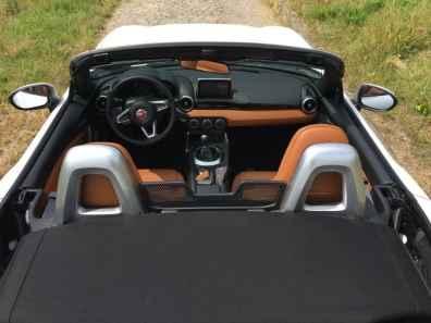 Fiat 124 Spider Cabrio Cockpit