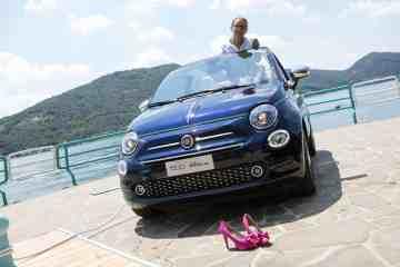 Frauen fluchen und Männer pupsen in ihren Autos