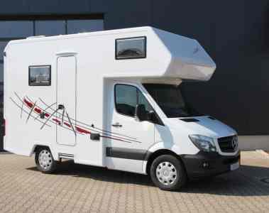 Dopfer mit drei Reisemobile auf dem Caravan-Salon
