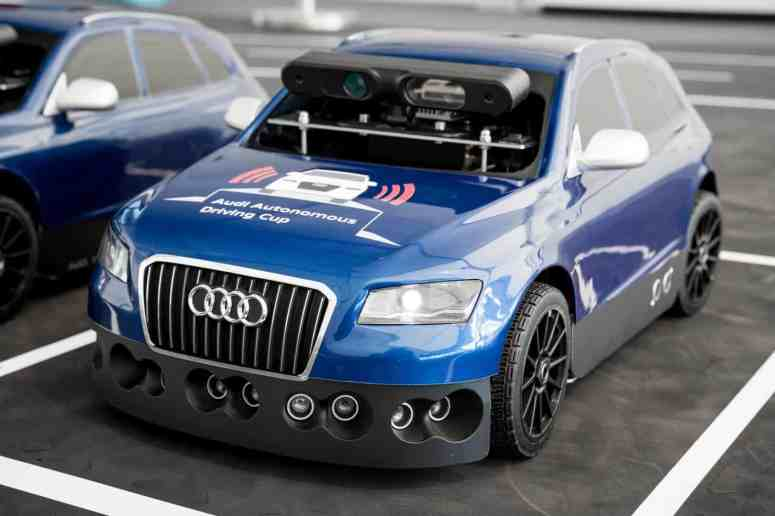 Audi Q5 RC Car to X