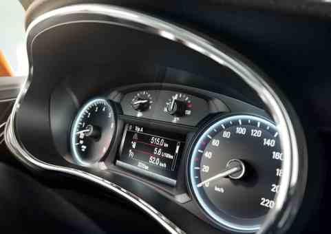 Opel MOKKA X Tacho