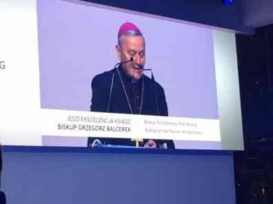 Bischof Grzegorz Balcerek segnete das neue Crafter Werk