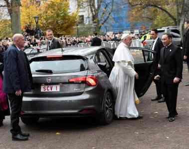 In Malmö fuhr der Papst in einem Fiat Tipo vor