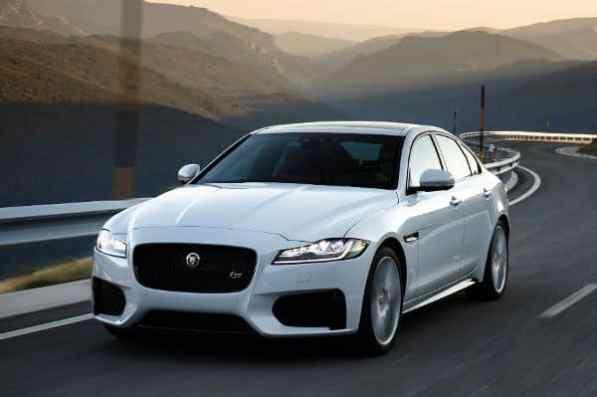 Der neue Einstiegs-Benziner für XF ist als Hecktriebler mit 8-Gang-Automatikgetriebe im Angebot – ab 45.060 Euro. Als 20t beschleunigt der in 7,5 Sekunden von 0 auf 100 km/h