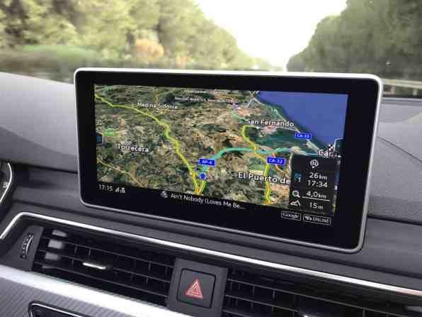 Audi S5 Cabrio freistehender Bildschirm